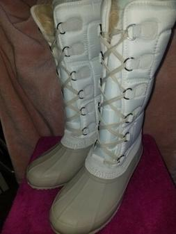 BRAND NEW WOMANS AMERICAN EAGLE OUTFITTERS SNOW BOOTS SZ 9 T