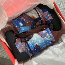 galaxy moon snow boots size 6 space