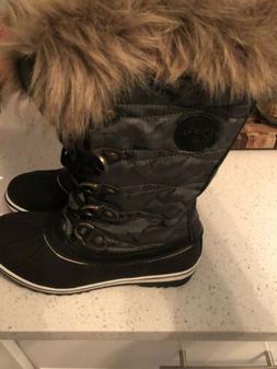 Globalwin 1837 women's Snow Boots Size 10
