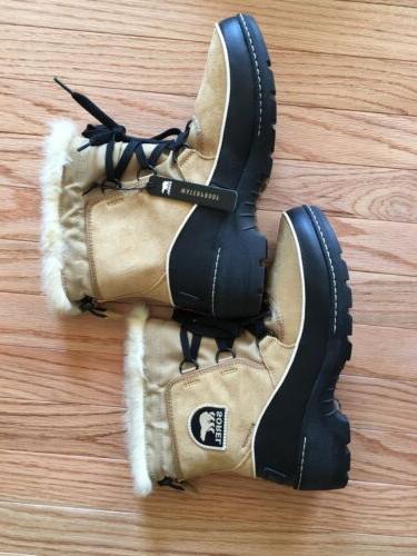 BRAND NEW IN Women's Sorel® III boots 6.5 9.5